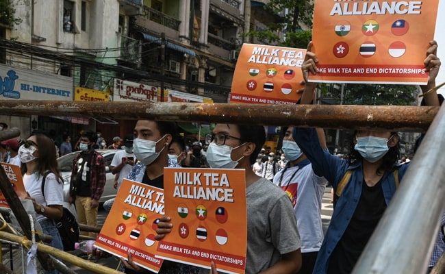 Twitter Spotlights Asia Democracy Movements With #MilkTeaAlliance Emoji
