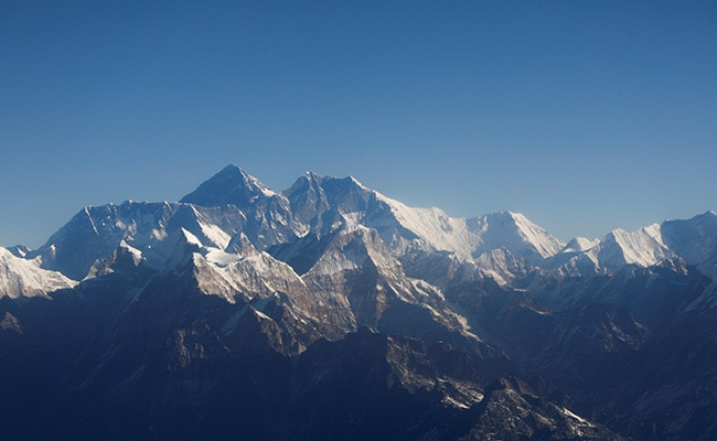 Bring Back Your Empty Oxygen Tanks, Everest Climbers Are Urged